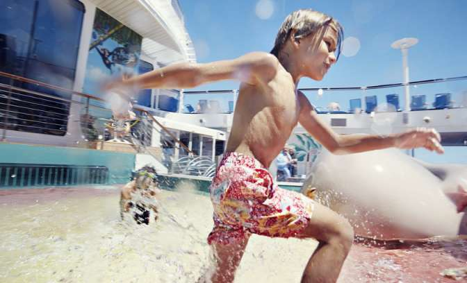 Een kind in het waterpark op de Oasis of the Seas