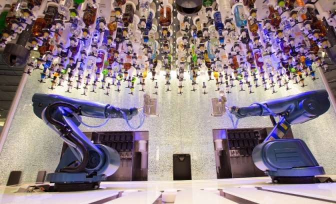 De bionische bar op de Harmony of the Seas